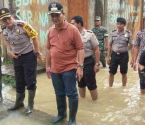 Permalink ke Bupati Muarojambi Tinjau Banjir di Perumahan Namura Jaluko