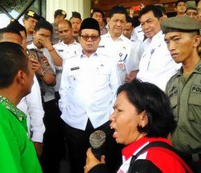 Permalink ke Demo di Kantor Gubernur, Dihadapan Wagub SBSI Sampaikan Empat Tuntutan