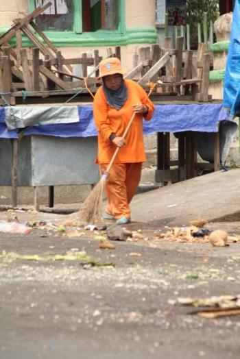 Permalink ke Kerja Selama 12 Jam Perhari, Pasukan Orange Merangin Diuji Selama Ramadhan