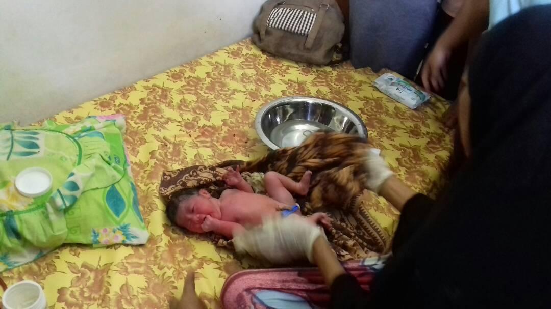 Permalink ke Temukan Bayi Dipinggir Lintas, Warga Rejo Sari Mendadak Heboh