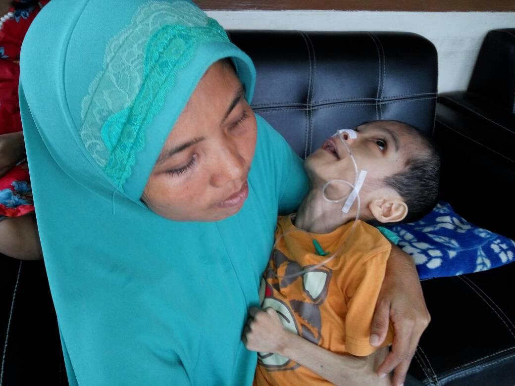 Permalink ke Zola Bantu Pengobatan Muhammad Alfin, Bocah Penderita Radang-Paru