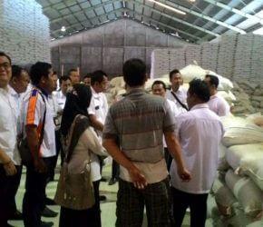 Permalink ke Gudang Beras Srimukti Disidak Tim Satgas Pangan