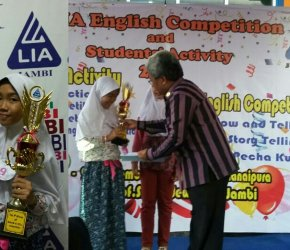 Permalink ke Hebat, Adinda Juara English Competition Kategori Show and Tell