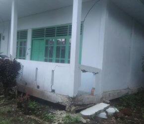 Permalink ke Waduh… Belum Genap 10 Tahun, Bangunan Pustu Desa Jati Mas Nyaris Ambruk