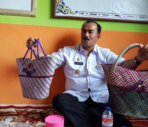 Permalink ke Wabup Tanjab Barat  Pimpin Tim Koordinasi Pokja P2W-KSS Lakukan Penilaian di Desa Lumahan
