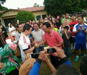 Permalink ke Berkunjung ke Stadion Mini, Gubernur Zola Sapa Siswa SSB Gelora Karya