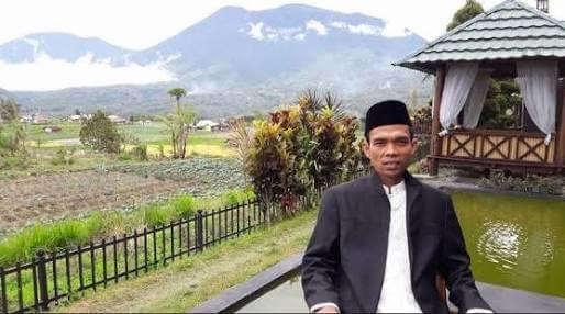 Permalink ke Begini Kisah Bupati Romi Memburu Ustadz Abdul Somad