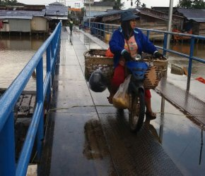 Permalink ke Rekanan Sebut Besi Bekas di Jembatan Simbur Naik Bukan Item Pekerjaan