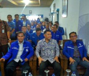 Permalink ke Wiwid Iswara Terpilih Aklamasi Jadi Ketua DPD PAN Kota Jambi, Ini Harapan H. Bakri