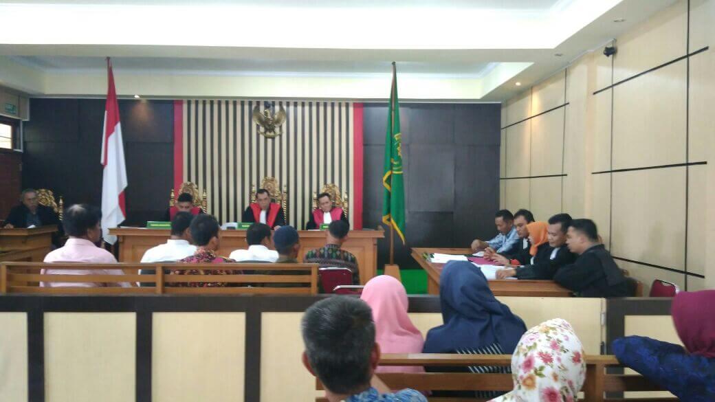 Permalink ke PN Jambi Kembali Sidang Kasus Dugaan Pungli Sertifikat Prona
