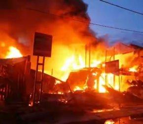 Permalink ke Tiba di Kota Sungaipenuh, H. Bakri Berikan Bantuan untuk Korban Kebakaran