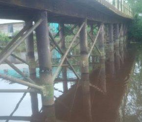 Permalink ke Gawat, Sejumlah Tiang Pondasi Jembatan Ahmad Sugeng di Kecamatan Bram Itam Nyaris Putus