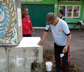 Permalink ke Pupuk Kebersamaan, Seluruh Pengurus KONI Kota Jambi Turun Gotong-Royong