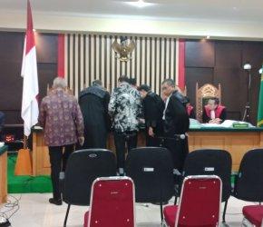 Permalink ke PN Tipikor Jambi Hadirkan 7 Saksi Bentolan Dewan, Saipudin Nangis