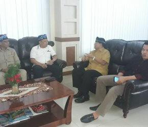 Permalink ke Tiba di Jambi, Ketua Umum HNSI Disambut Ketua DPD HSNI Provinsi Jambi