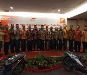 Permalink ke Diikuti Sinsen dan18 SMK Jambi SarasehanSMK TBSM Astra Honda se-Sumbagsel Sukses