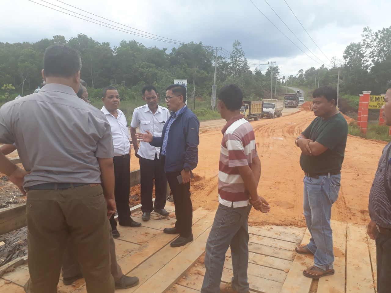 Permalink ke Pembangunan Jembatan Perbatasan Tanjbbar-Tanjabtim Berpolemik, H. Bakri Turun ke Lokasi