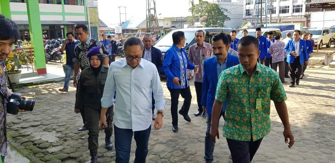 Permalink ke H. Bakri : Ketua Umum PAN Puas Lihat Semangat Kader PAN Jambi