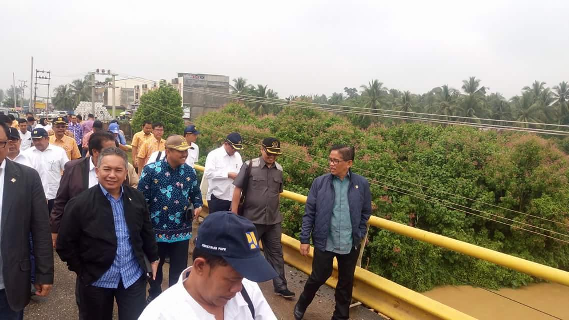 Permalink ke Ini Dia Strategi H. Bakri Mendapatkan Dukungan Pembangunan Jembatan Muara Bungo dari Seluruh Anggota Komisi V