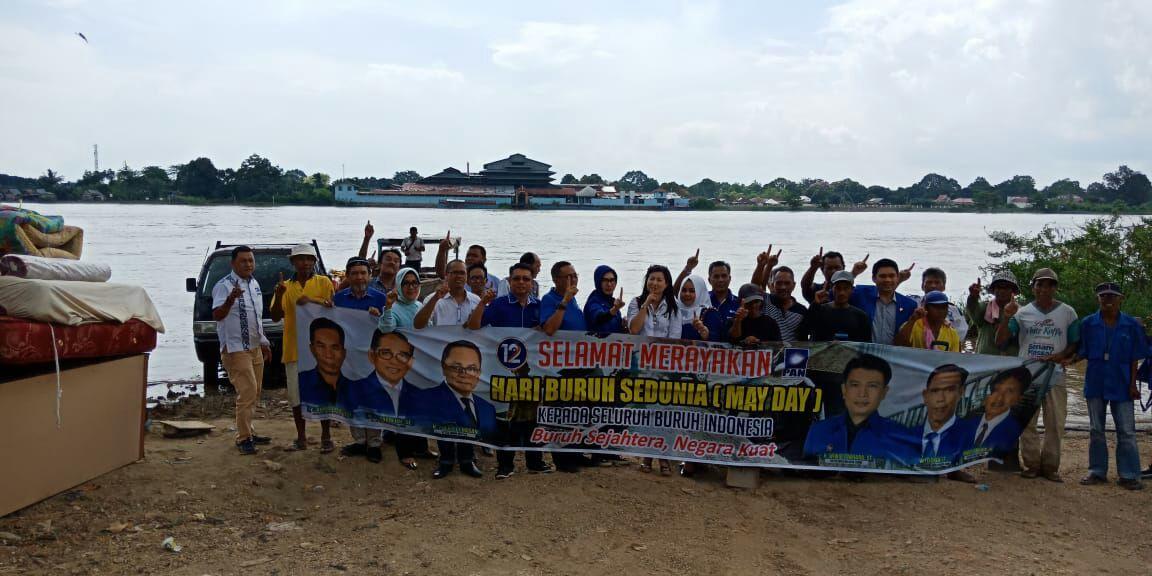 Permalink ke Peringati Hari Buruh, H. Bakri bersama DPW PAN Provinsi Jambi dan DPD PAN Kota Jambi ajak BHL Makan Bersama