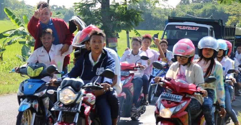 Permalink ke Bubar Antisipasi Konvoi Kendaraan Kelulusan UN SMP