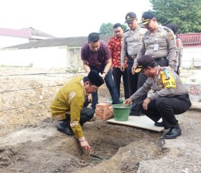 Permalink ke Plt. Gubernur Fachrori Letakkan Batu Pertama Pembangunan RS Bhayangkara Mayang Mangurai
