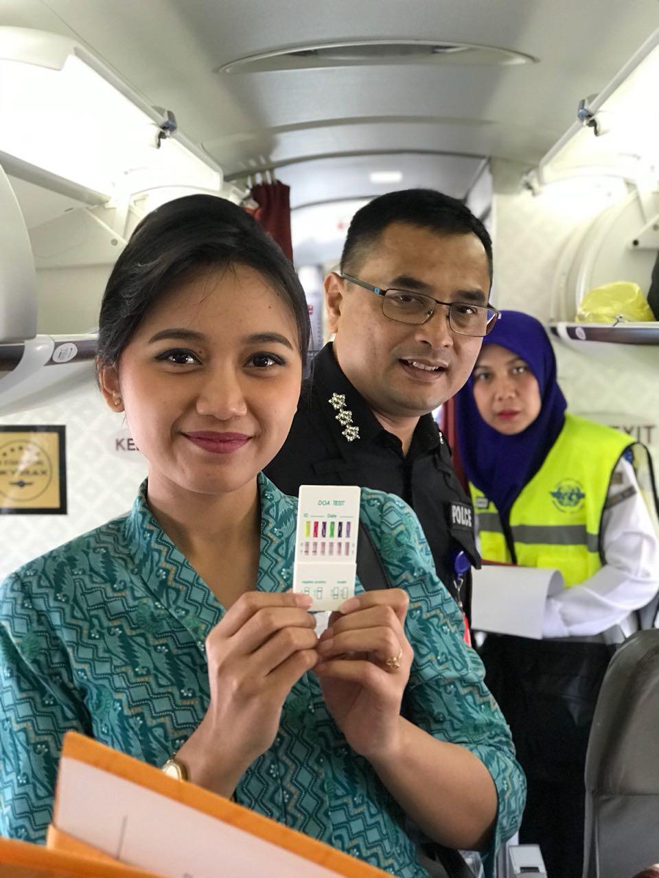 Permalink ke Pilot dan Pramugari Dites Urine