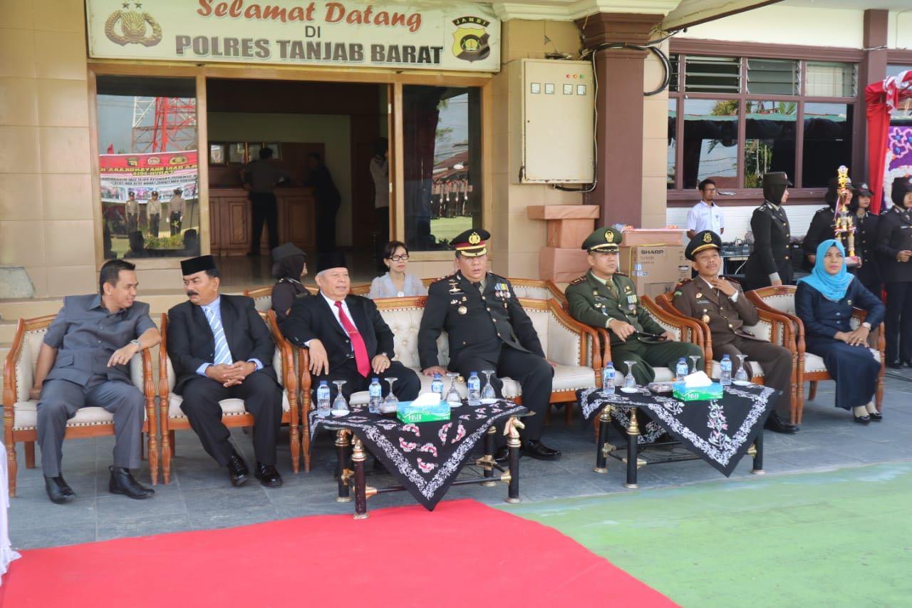 Permalink ke Wabup Amir Sakib Hadiri HUT Bhayangkara ke-72 di Mapolres Tanjab Barat