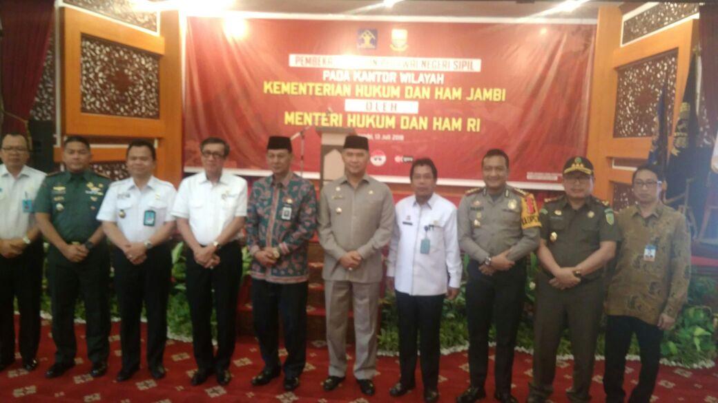 Permalink ke Yasonna Imbau CPNS Kemenkum dan HAM Wilayah Jambi Tetap Konsisten dan Bersih