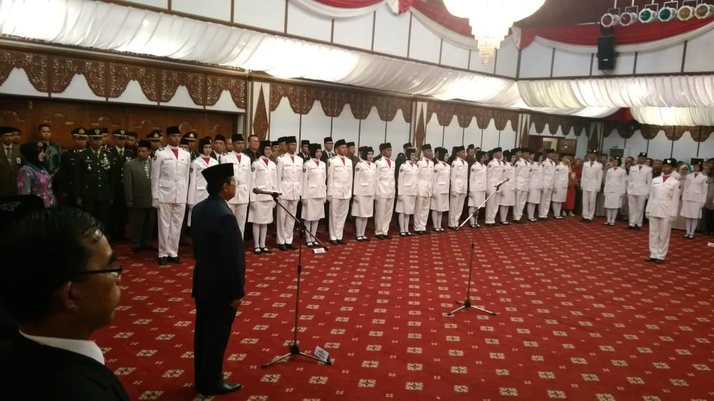 Permalink ke Plt Gubernur Jambi Fachrori Mengapresiasi Pengukuhan Paskibraka Provinsi Jambi Tahun 2018