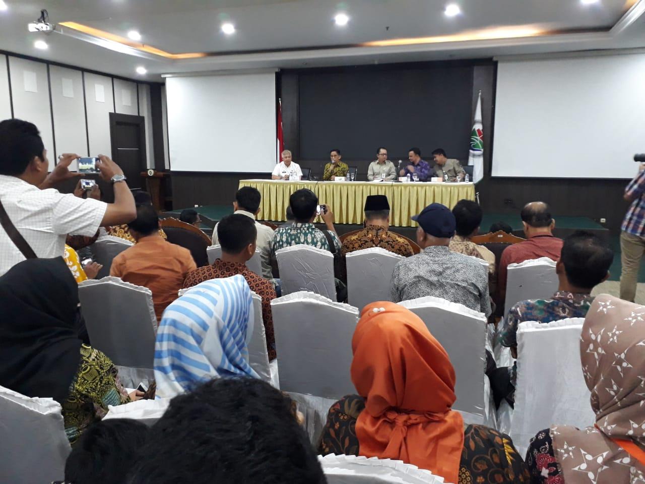 Permalink ke H. Bakri Fasilitasi Kades se-Sarolangun Temui Menteri Pedesaan PDT RI