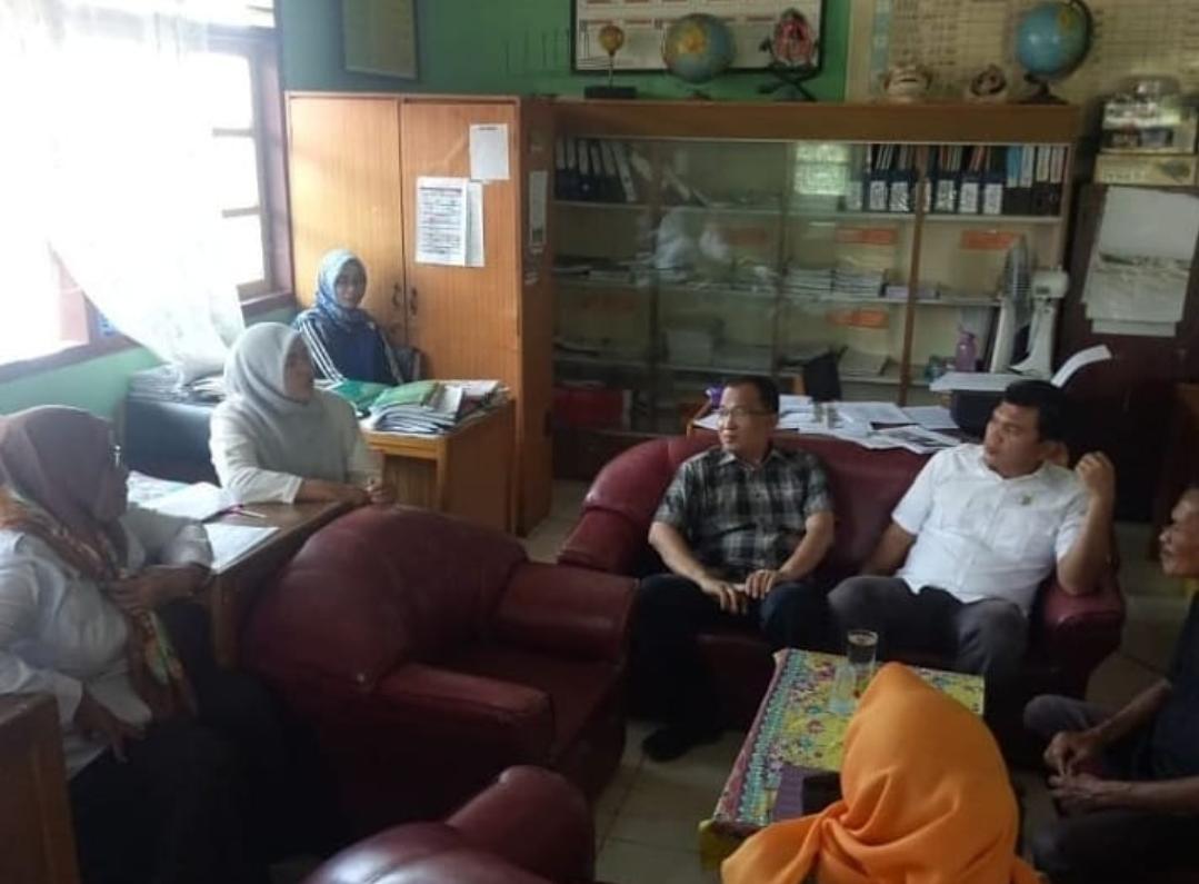 Permalink ke Anggota DPRD Kota Jambi Masuk SD 21 Pelayangan