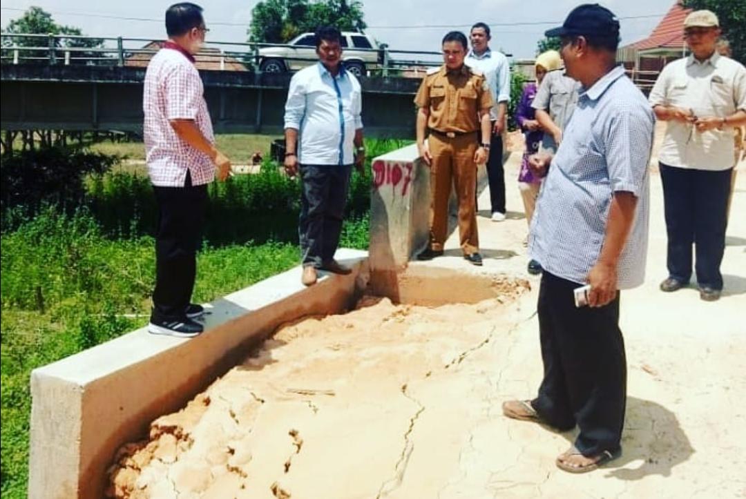 Permalink ke Anggota DPRD Kota Jambi Tinjau Pembangunan Jalan Seberang Kota Jambi