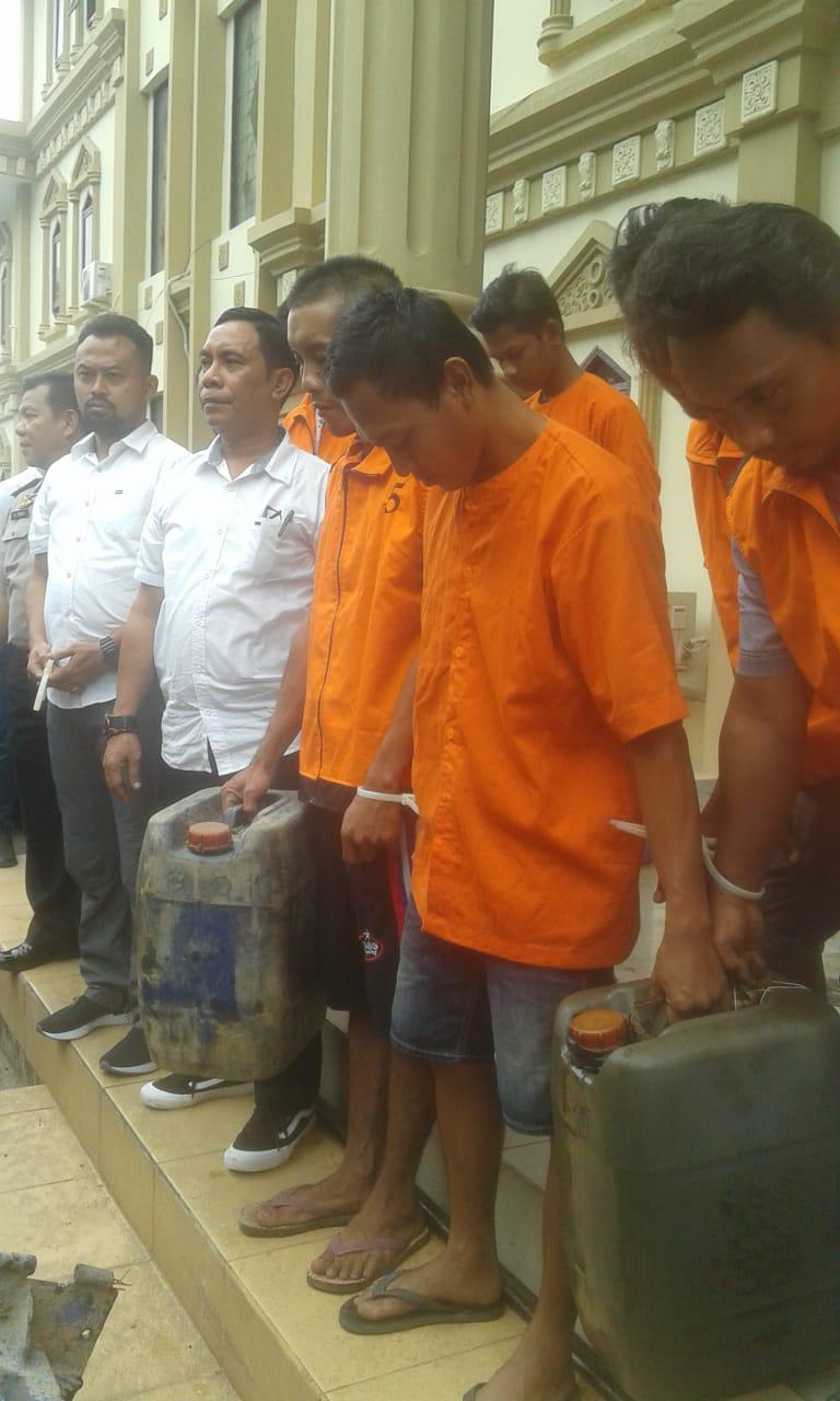 Permalink ke Lagi, Polda Jambi Tangkap 9 Pelaku dan BB Illegal Drilling