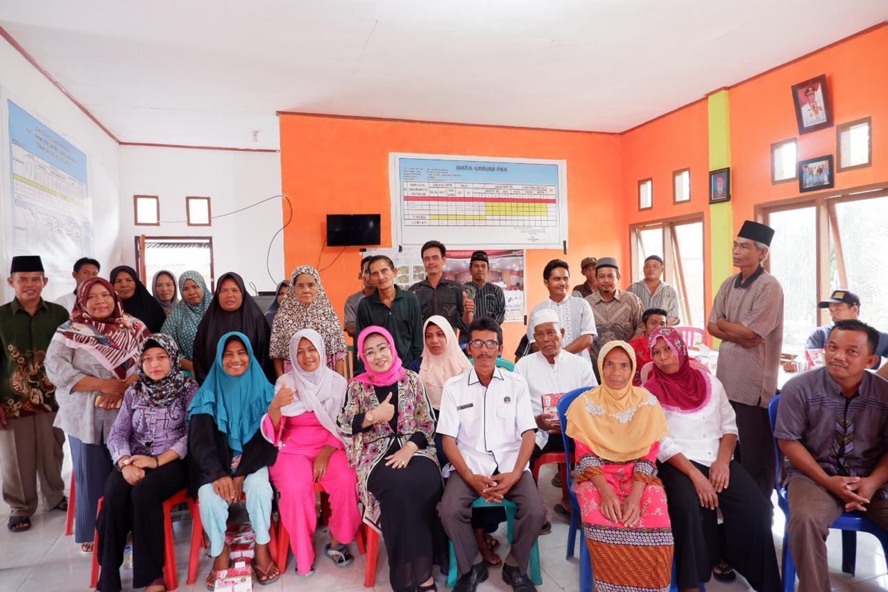 Permalink ke Jaring Aspirasi Rakyat, Hj. Daryati Uteng Reses di Desa Betara Kanan