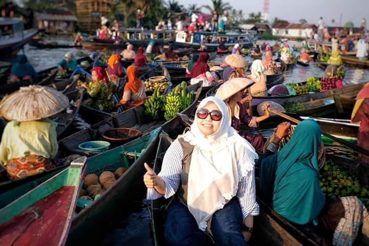 Permalink ke Hadiri Hari Pangan Sedunia, Bupati Masnah Kunjungi Pasar Apung Ikon Banjar Masin