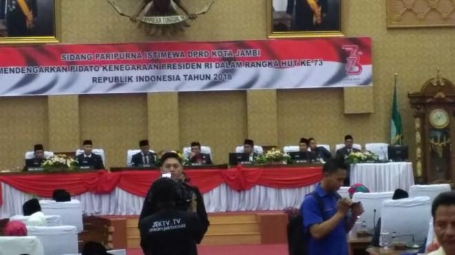 Permalink ke Paripurna DPRD Kota Jambi Mendengarkan Pidato Kenegaraan Presiden RI Khidmat