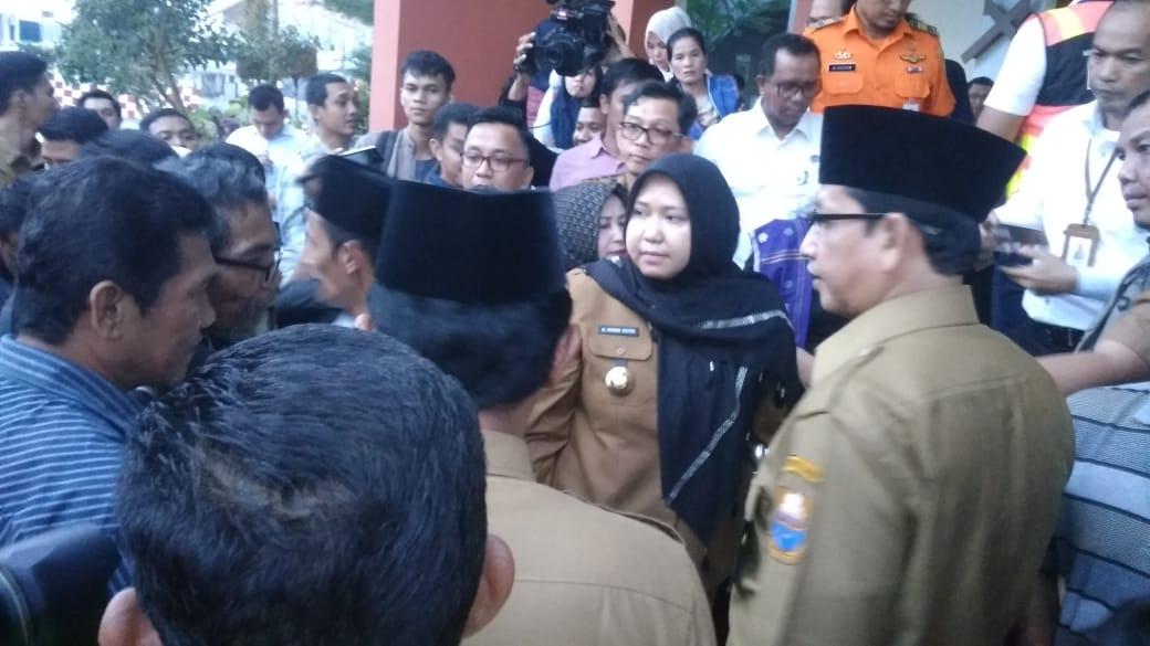 Permalink ke Ini Kata Bupati Muaro Jambi Kepada Keluarga Janry Korban Jatuhnya Pesawat Lion Air JT-610
