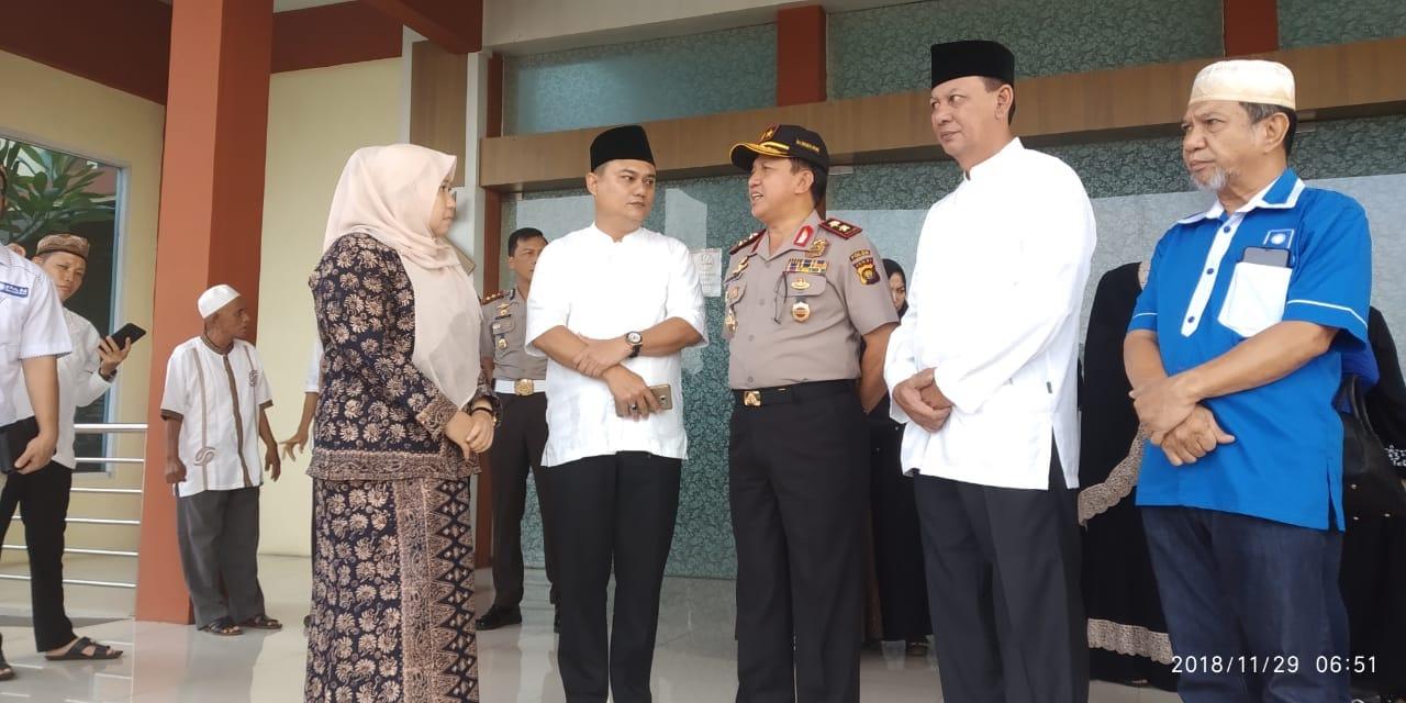 Permalink ke Sekda Dianto Bersama Kapolda Jambi dan Bupati Muaro Jambi Sambut Kedatangan Jenazah H. Zulkifli Nurdin