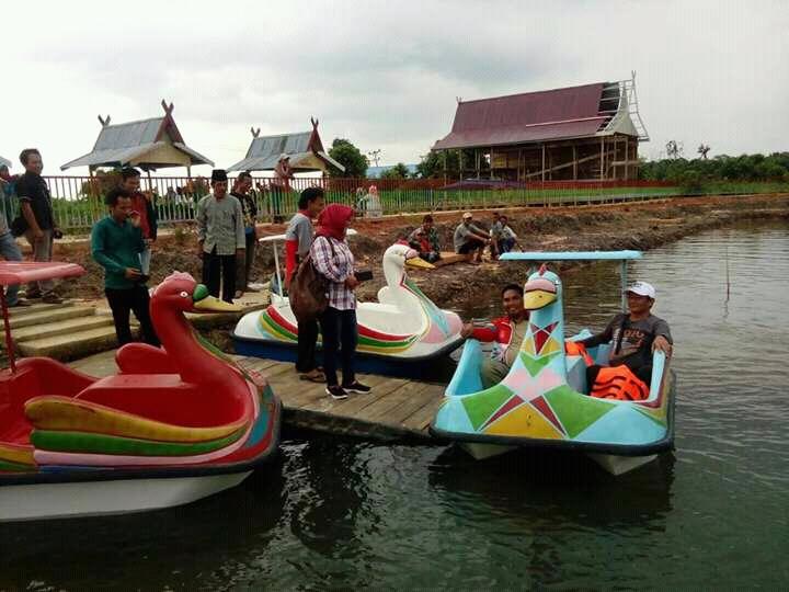 """Permalink ke Desa Muntialo Hadirkan Pariwisata Air """"Bebek Dayung"""""""