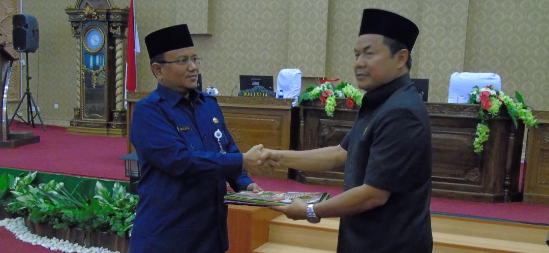 Permalink ke Fraksi DPRD Kota Jambi Sampaikan Pandangan Umum Terhadap LKPJ Walikota 2018 Lewat Paripurna