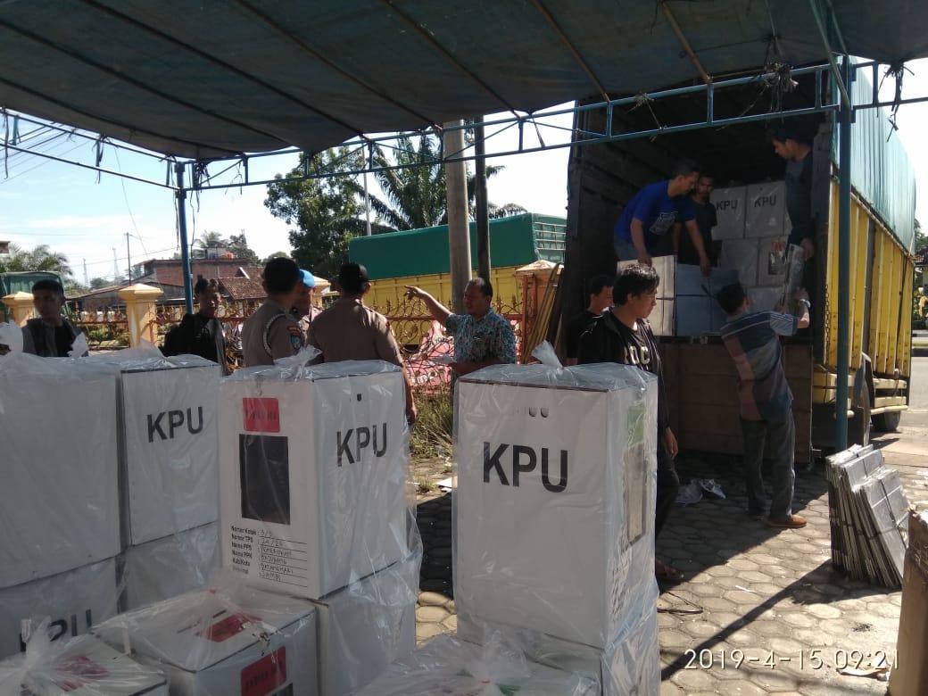 Permalink ke KPUD Batanghari Mulai Distribusikan Logistik Pemilu Tahun 2019
