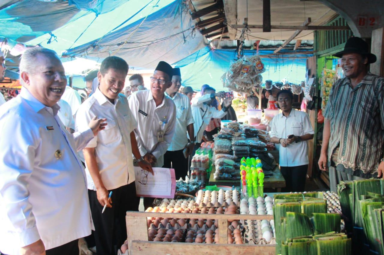 Permalink ke Pastikan Harga Bahan Pokok Normal Jelang Lebaran Idul Fitri, Bupati Safrial Pimpin Sidak Pasar Tradisional