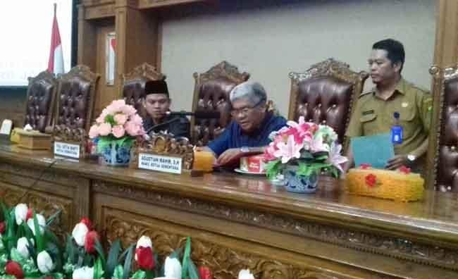 Permalink ke DPRD Muarojambi Bentuk Delapan Fraksi Dewan