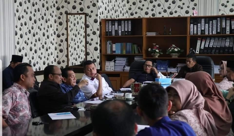 Permalink ke Anggota DPRD Kota Jambi Hearing Bersama Dinas Kesehatan Kota Jambi