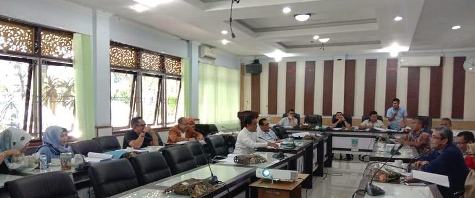 Permalink ke DPRD Kota Jambi Gelar Rapat Bersama Bagian Hukum, Koni, Dispora, Disdik dan KNPI