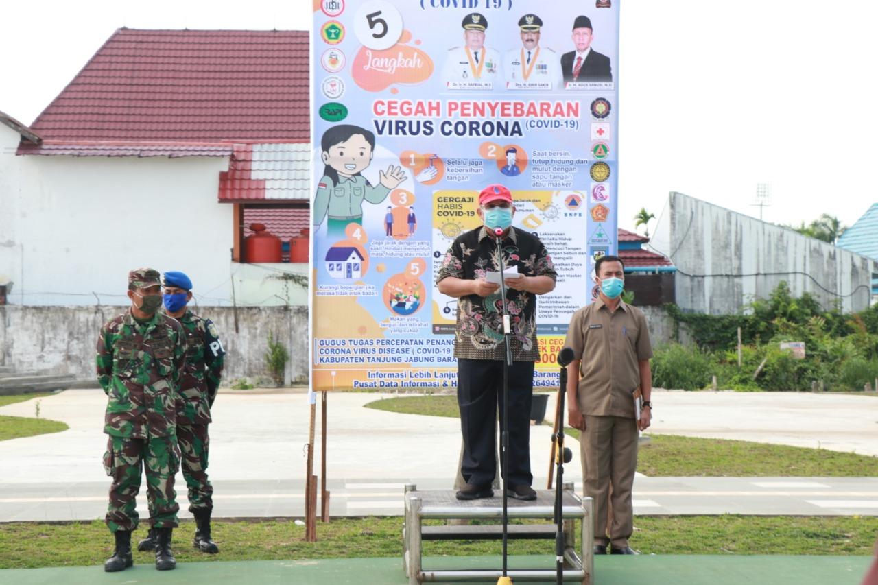 Permalink ke Usai Lepas TIM Himbauan Pencegahan Covid-19, Bupati Safrial Bagikan 10.000 Masker Gratis