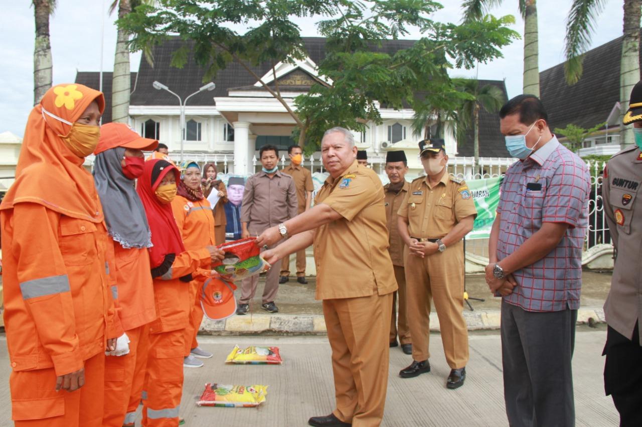 Permalink ke Jelang Hari Raya Idul Fitri, Safrial Launching Sembako Bersubsidi