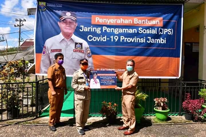 Permalink ke Bupati Syahirsah Sambut Kunker Gubernur Jambi Dalam Rangka Penyerahan Bantuan JPS