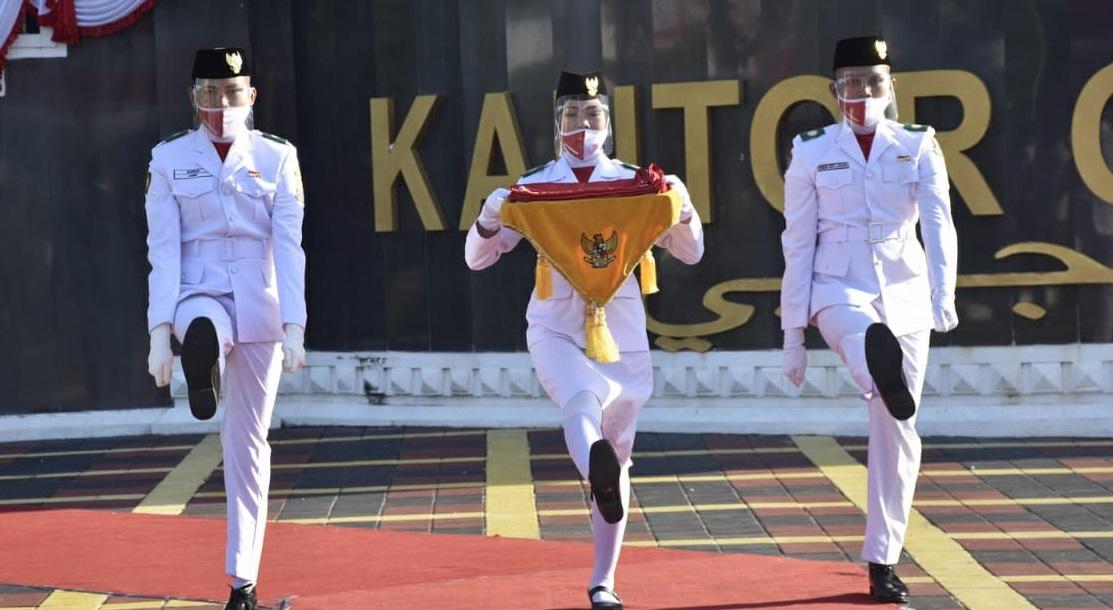Permalink ke Paskibraka Provinsi Jambi Sukses Kibarkan Bendera, Ronaldi : Mudah-mudahan Upacara Penurunan Juga Berhasil